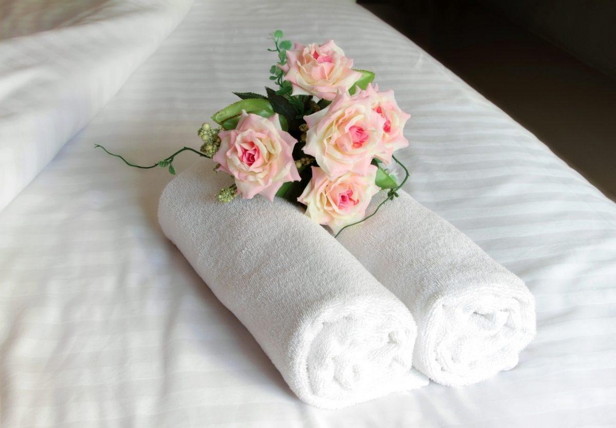 Set 2 Prosoape Hotel Line 50x90 Bedora 100% bumbac cardat 500 gr/mp